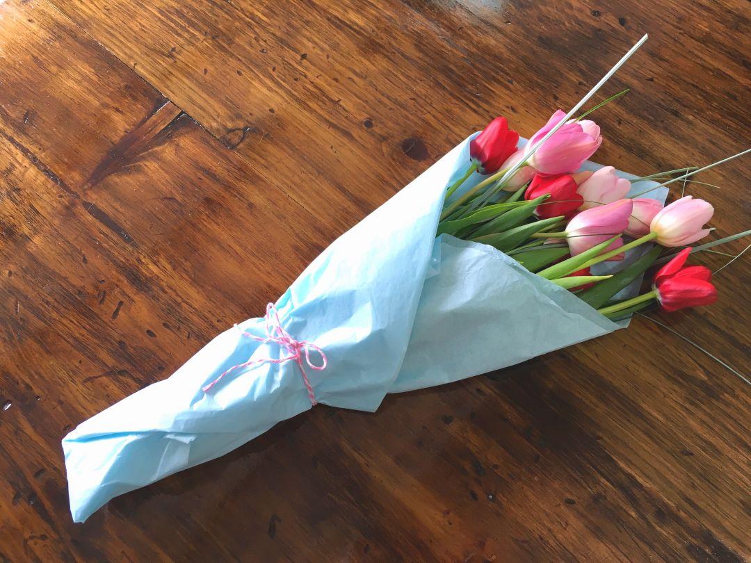 DIY Cómo Envolver un Ramo de Flores Naturales - Vero Hoy