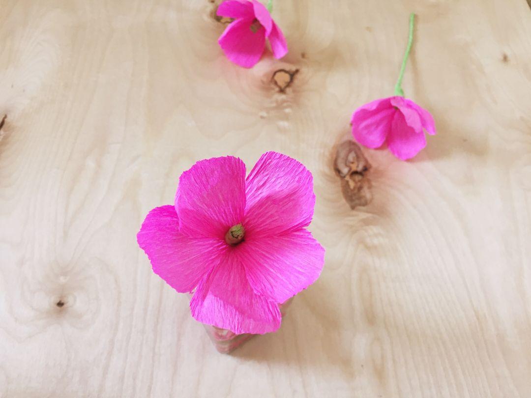 Como hacer flores con papel crep f cil y r pido vero hoy - Como hacer manualidades faciles y bonitas ...