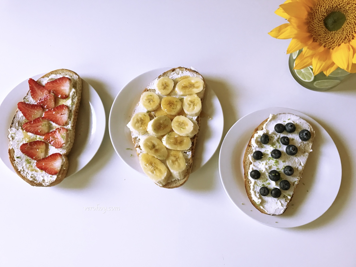 Pan Tostado con Fruta